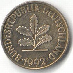 Ветвь дуба. Этот национальный символ Германии практически без изменений был перенесен с разменной монеты - пфеннига