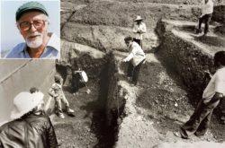 Профессор Манолис Андроникос руководит раскопками в Вергине в 1977 году