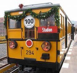 Один из первых вагонов немецкого метро на праздновании 100-летия Берлинского метро