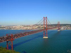 Мост 25 апреля, вид из Алмады