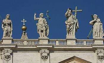 Скульптуры святых
