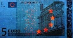 5 евро, лицевая сторона в ультрафиолетом свете