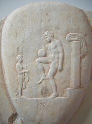Изображение игры с мячом (National Museum of Archeology in Athens)